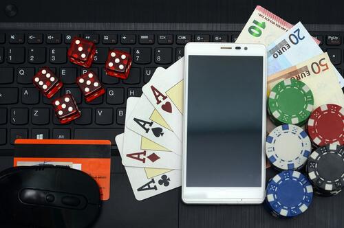 Strategi dasar untuk bermain poker pulsa online yang harus Anda miliki
